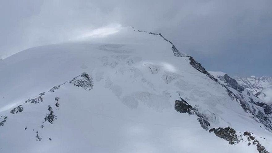 Négy túrázó halt meg a svájci Alpokban