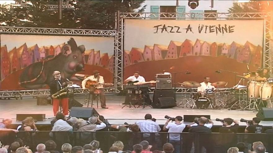 """""""O jazz está bem, o jazz renova-se, reinventa-se"""", garante diretor do festival """"Jazz à Vienne"""""""