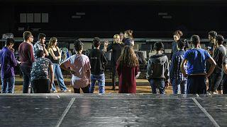 «Το ταξίδι»: Έφηβοι πρόσφυγες στην σκηνή του Εθνικού Θεάτρου