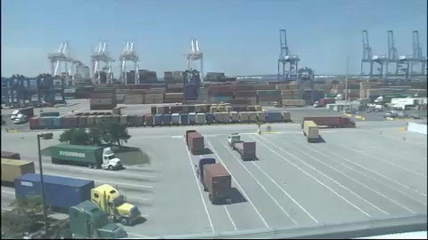 Guerra comercial entre UE e EUA - Imagens de um porto de mercadorias