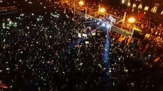 Előre ünnepelnek az ellenzéki kormányfőjelölt támogatói Örményországban