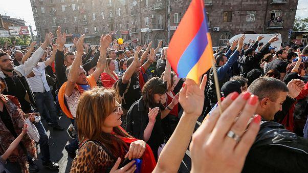 Αρμενία: Ογκώδης συγκέντρωση πριν την ψηφοφορία