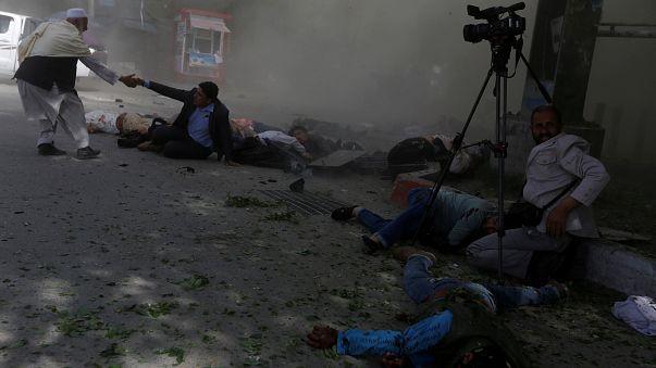 Atentados em Cabul fazem 40 mortos, entre eles 11 crianças e 10 jornalistas