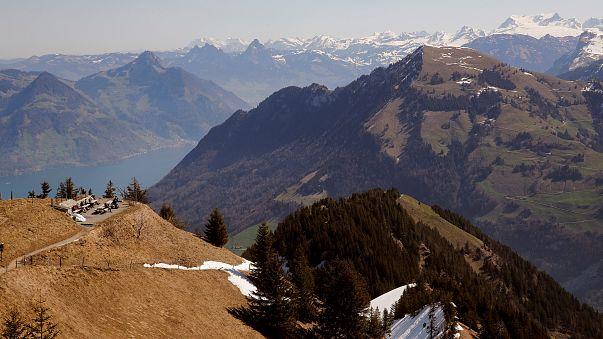 Autoridades dizem que mortes nos Alpes se devem a queda e hipotermia