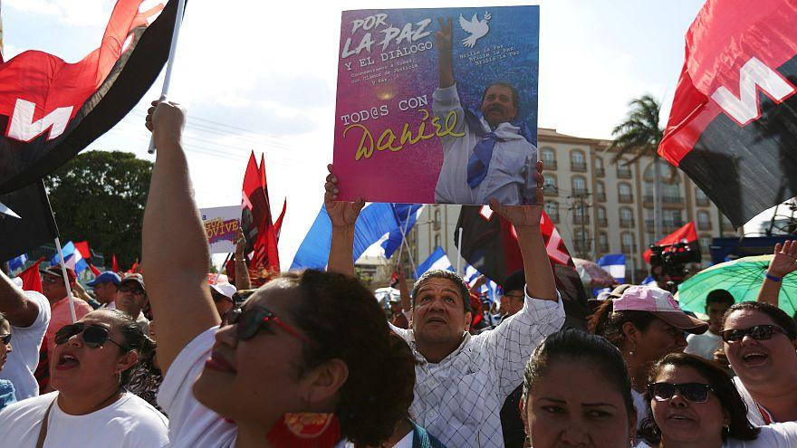 Daniel Ortega se da un baño de masas sandinistas