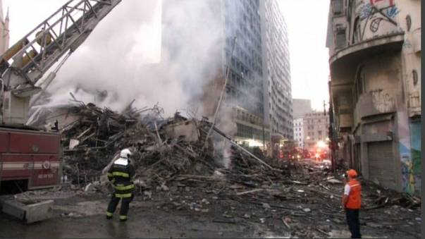 Brasile: palazzo a fuoco, inferno a San Paolo