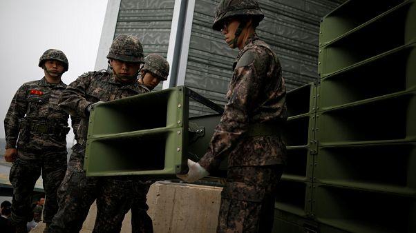 Южная Корея разбирает громкоговорители
