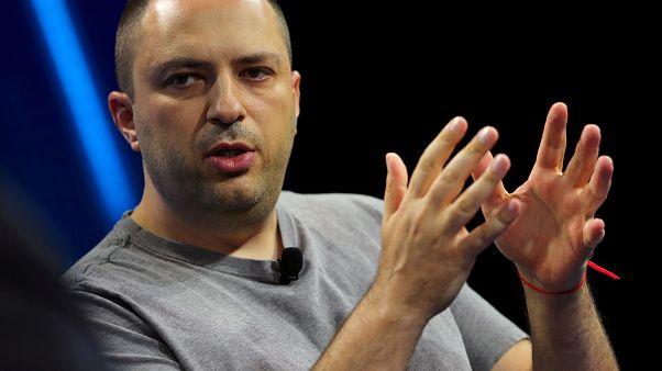 استقالة أحد مؤسسي واتساب بعد خلاف مع فيسبوك حول حماية معلومات المستخدمين