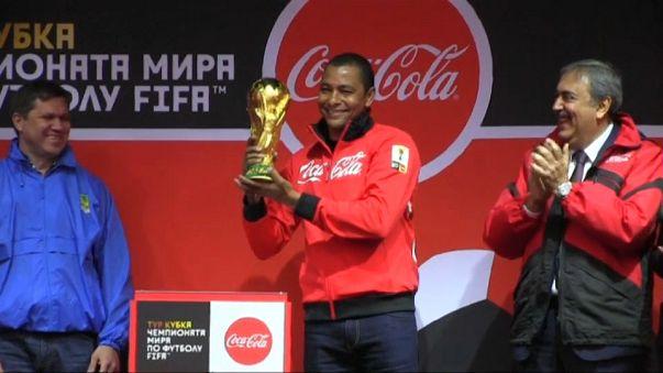 El trofeo de la Copa del Mundo de fútbol vuelve a Rusia