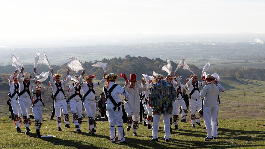 Jingle Bells: May Day Morris dancing in England