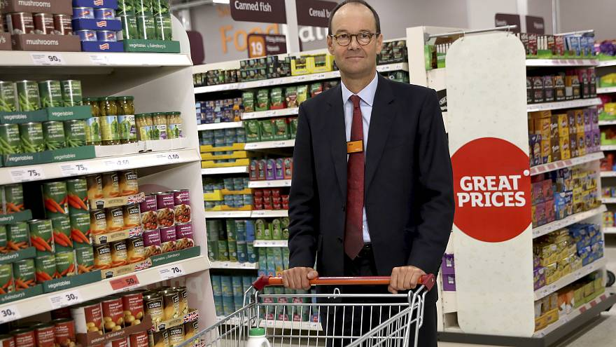 Falscher Moment: Sainsbury-Chef beim Singen von 'We're in the money' erwischt