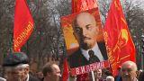الآلاف يشاركون بمسيرة عيد العمال في موسكو