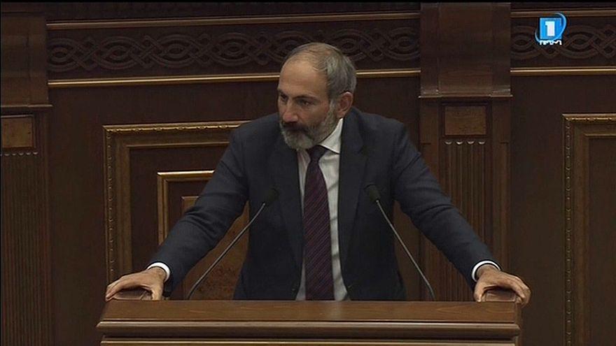 Армения осталась без премьера