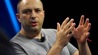 Jan Koum, co-fondatore di Whatsapp, ad una convention a Laguna Beach (2016)