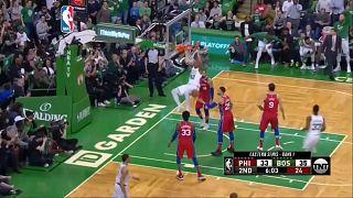 Boston Celtics besiegen die Philadelphia 76ers mit 117-101