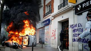 بیش از صد نفر از راهپیمایان روز کارگر پاریس در بازداشت میمانند