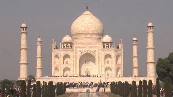 Hindistan Taj Mahal için ülke dışından uzman yardımı talep edecek