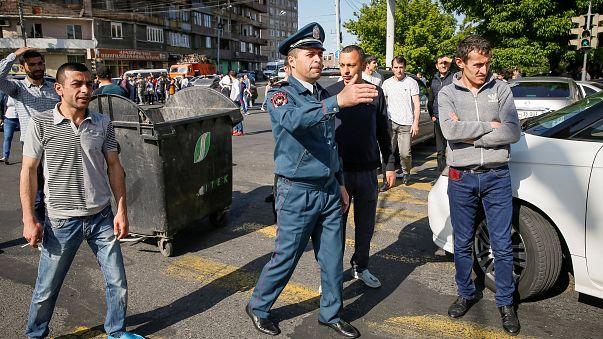 Armenia al rojo vivo en una jornada de huelga general
