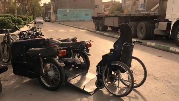 Von der Schubkarre auf das eigene Motorrad - Leben mit Behinderung im Iran
