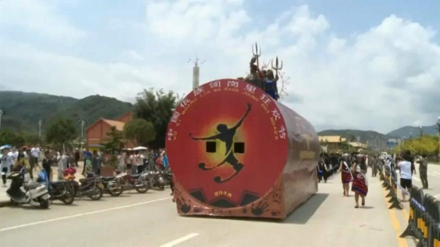Çin'de çamur festivali