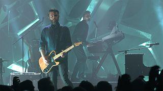 """Editors falam de Avicii: A pressão sobre os músicos """"existe e é bem real"""""""