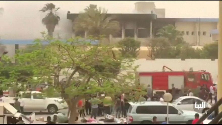 داعش يتبنى الهجوم على مفوضية الانتخابات في ليبيا