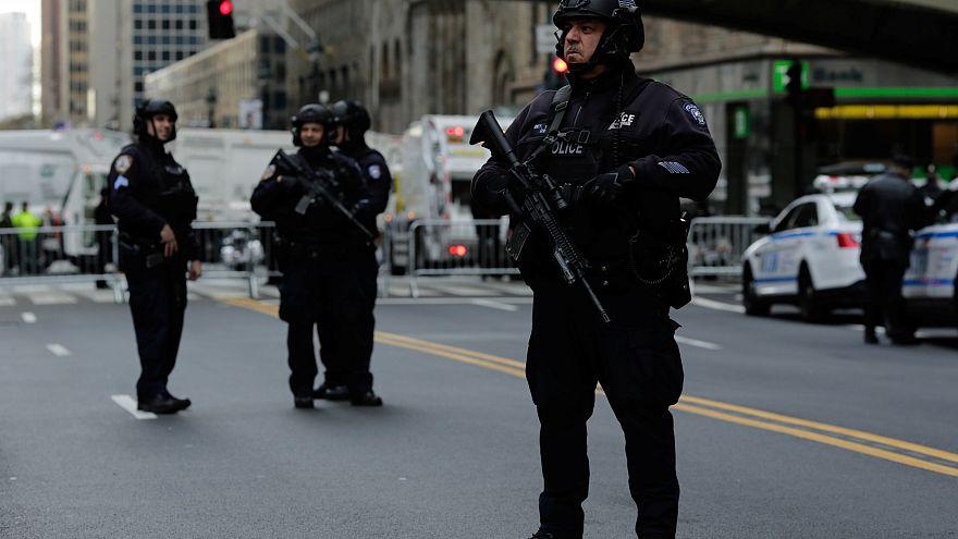 اعتقال شاب بتهمة التخطيط لهجوم على مركز تجاري في الولايات المتحدة