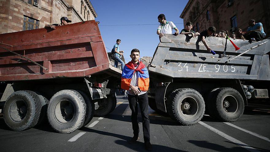 Ο λαός της Αρμενίας στους δρόμους