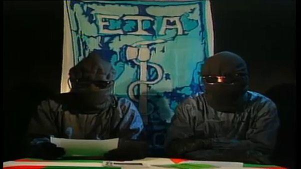 Separatistas da ETA lêem comunicado