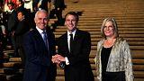 رئیس جمهوری فرانسه به همراه نخست وزیر استرالیا و همسرش