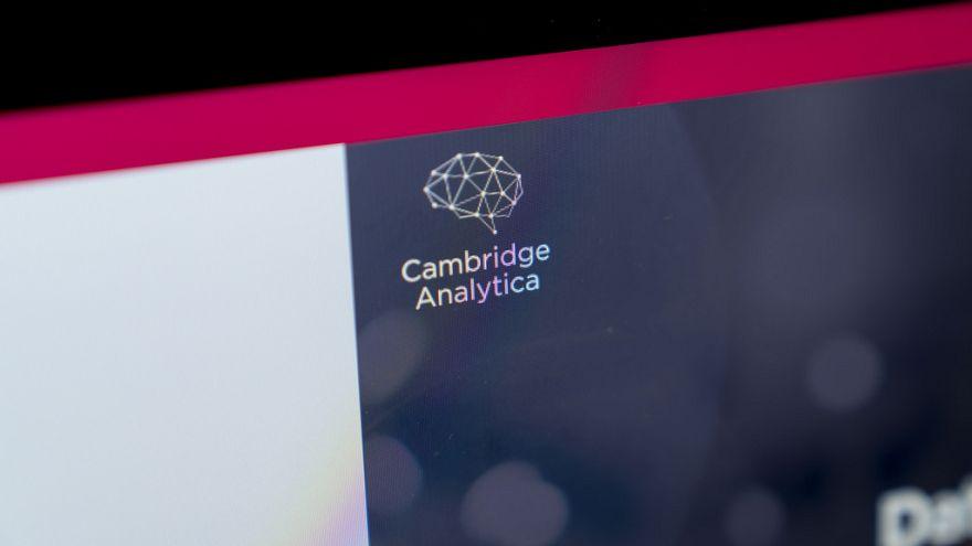 Facebook ile adı skandala karışan Cambridge Analytica firması kapanıyor