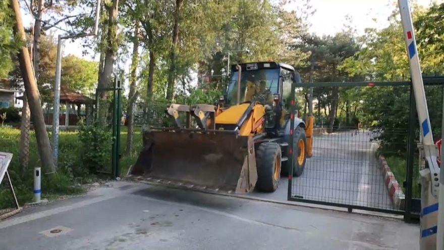 Yanlışlıkla Yunanistan tarafına geçen belediye işçisi gözaltına alındı