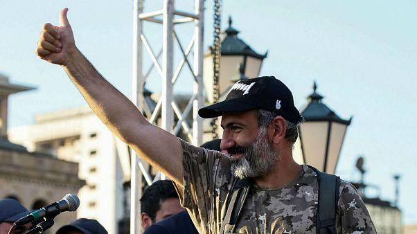 با عقب نشینی حزب حاکم ارمنستان، پاشینیان اعتراضها را متوقف کرد