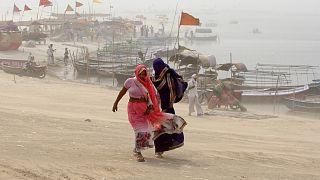 طوفان شن در اللهآباد، حاشیه رود گنگ در جنوب ایالت اوتار پرادش
