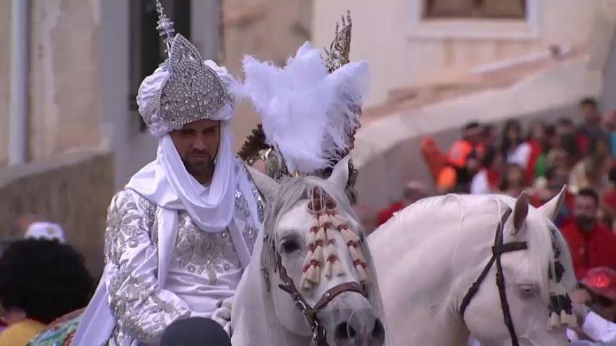 """سباق """"خيول الخمر"""": ذكرى انتصار على المسلمين في الأندلس"""