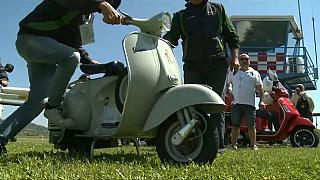 Vespa ünlü Primavera modelinin 50. yılını kutluyor