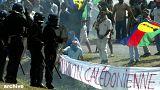 Des Kanak manifestent à Koné en 2003