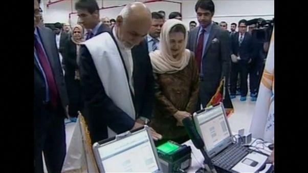 أخيرا في أفغانستان.. بطاقة هوية إلكترونية