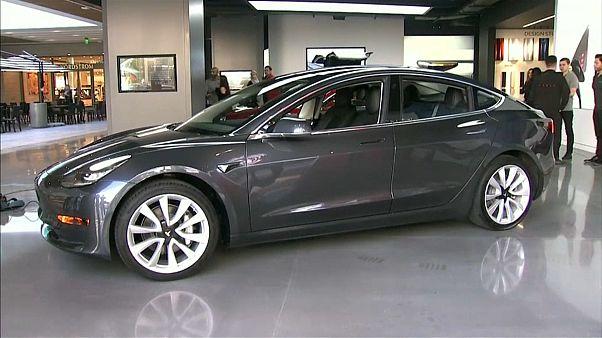 Tesla: Musk kızdı, hisseler çakıldı
