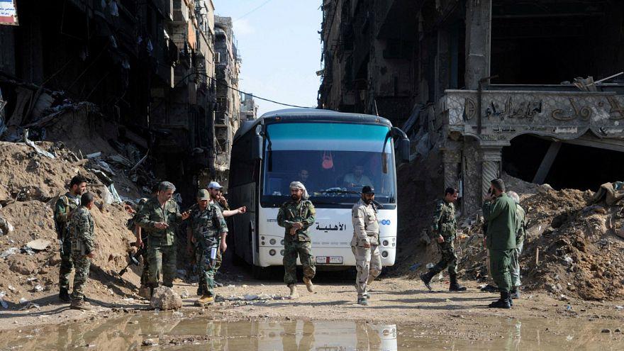 Suriye: Yermük'ten tahliyeler başladı