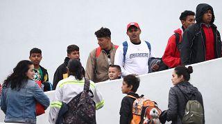 Caravane de migrants : les Etats-Unis laissent passer des demandeurs d'asile