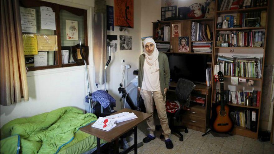 بعد استخدام قصيدتها كخلفية صوتية .. إسرائيل تدين شاعرة فلسطينية بتهمة التحريض على الإرهاب