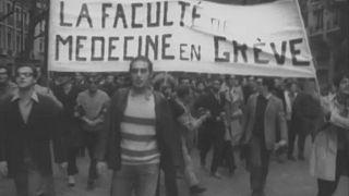 Medizinstudenten beteiligen sich im Mai 1968 an den Protesten.