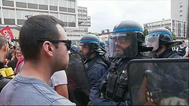 Confrontos entre ferroviários e a polícia em Nice