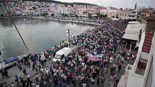 Cólera en Lesbos durante la visita de Tsipras
