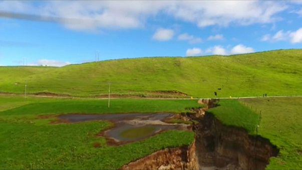 Sinkhole gigante in Nuova Zelanda