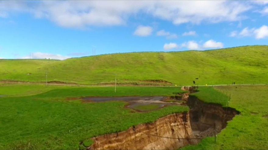 Yeni Zelanda'daki dev yarık genişliyor