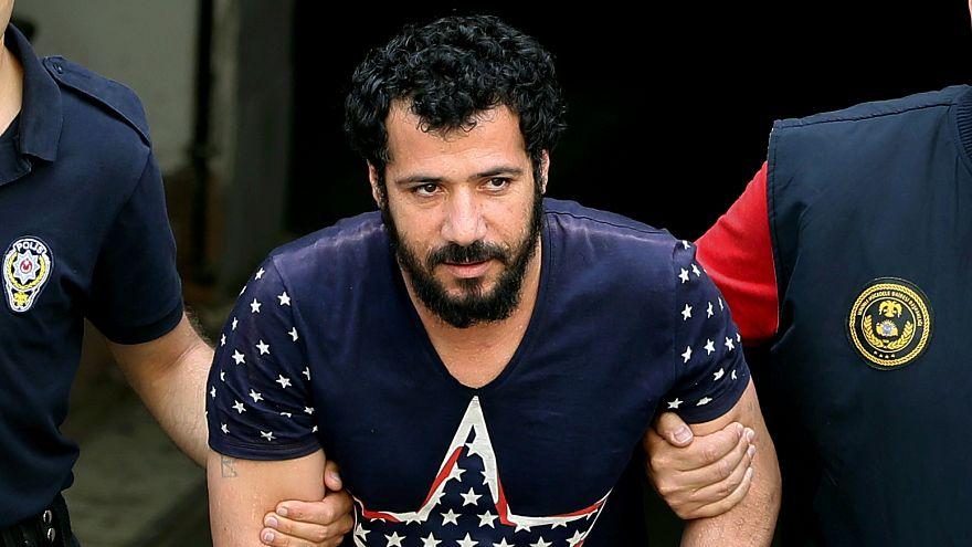 İzmir'de tutuklanan El Haddavi Suriye'deki 700 kişilik katliamı kabul etti
