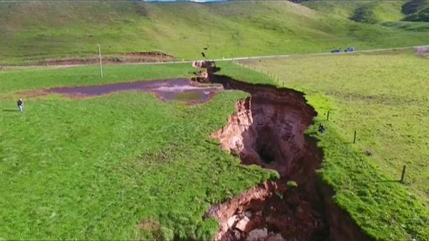 Una grieta gigantesca se abre en Nueva Zelanda