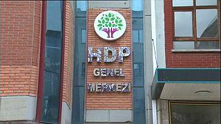 HDP yöneticileri tutuklandı